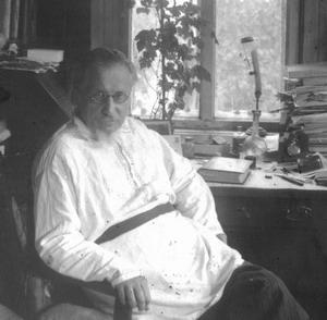 Сергей Николаевич Дурылин в своем кабинете в Болшеве